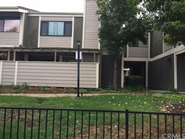 27150 Hidaway Avenue Unit 6, Canyon Country CA 91351