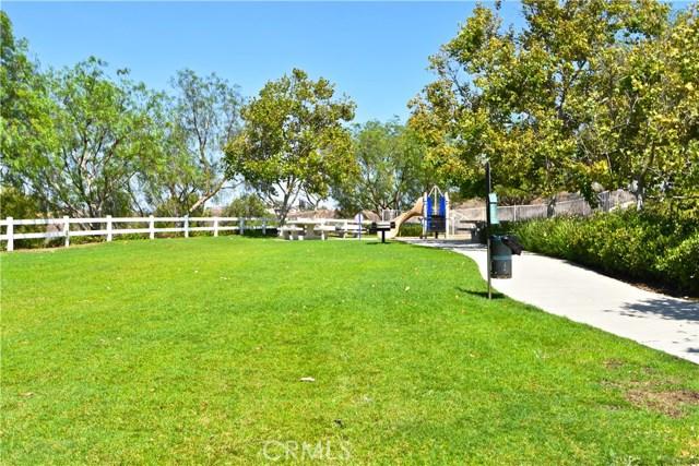 17852 Spring Hill Way, Riverside CA: http://media.crmls.org/medias/65fa96c9-3e28-4857-9122-fc1a9ebf90c7.jpg