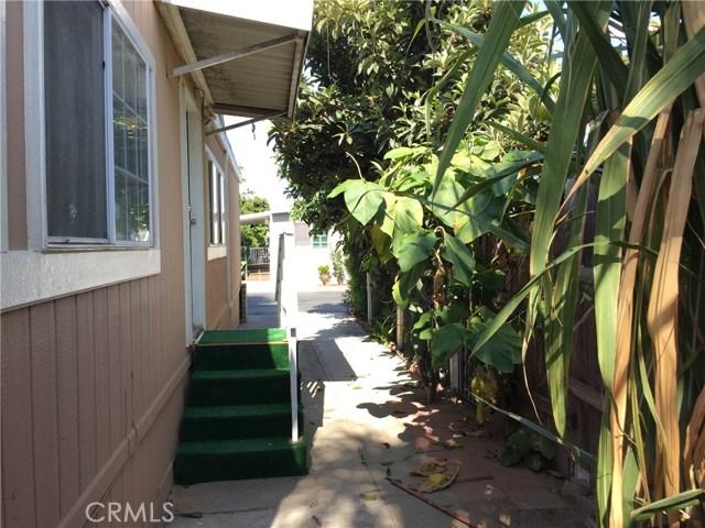4080 W 1st Street, Santa Ana CA: http://media.crmls.org/medias/65fdf7f7-b72b-4849-afe1-02c90b1ec55a.jpg