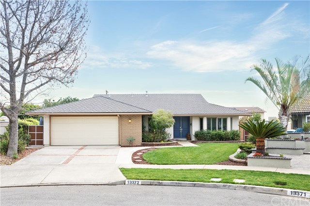 Property for sale at 13372 Nixon Circle, Tustin,  California 92780