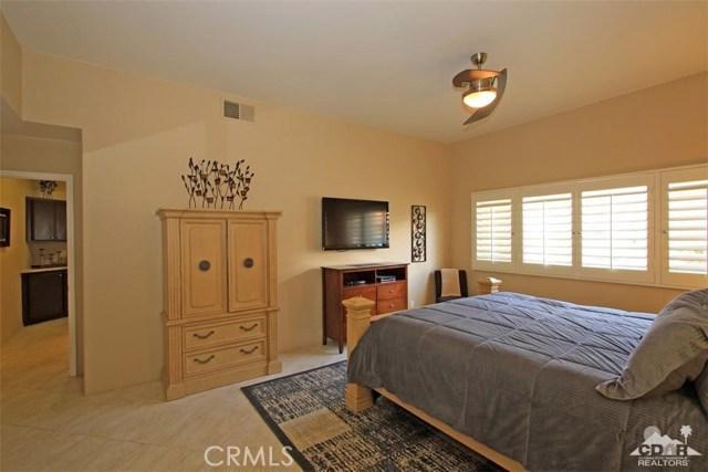75 Augusta Drive, Rancho Mirage CA: http://media.crmls.org/medias/66114788-2876-4c9c-8666-49a0e355c720.jpg