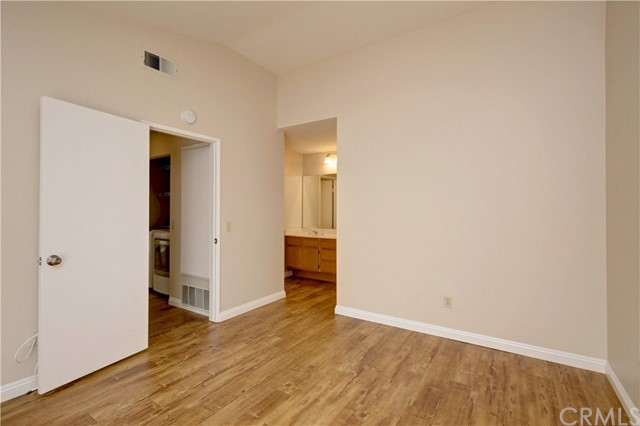3593 W Greentree Cr, Anaheim, CA 92804 Photo 13