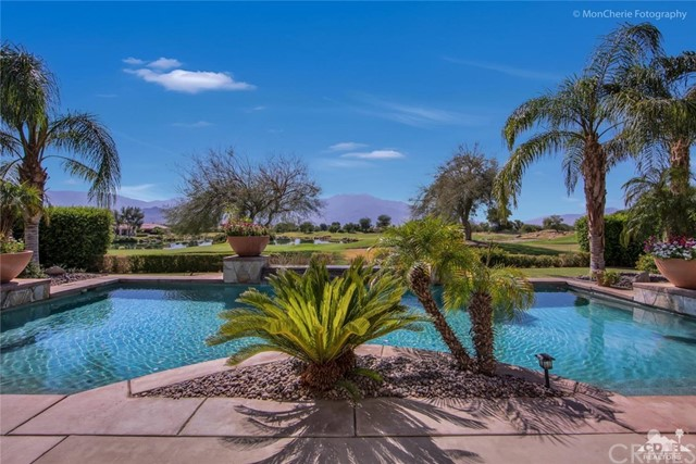 5 Via Bella, Rancho Mirage CA: http://media.crmls.org/medias/66297af4-5682-4b85-b2cb-e104bcb07c35.jpg