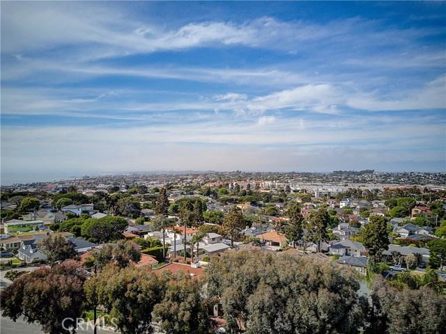 349 Calle Mayor, Redondo Beach CA: http://media.crmls.org/medias/6629ce7b-1666-4ebb-9dd4-68f39efae1e8.jpg