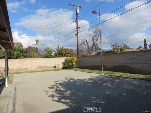 5230 Hallowell Avenue, Temple City CA: http://media.crmls.org/medias/662d3844-df52-4ae6-b0d3-3d8ea5caeaf4.jpg