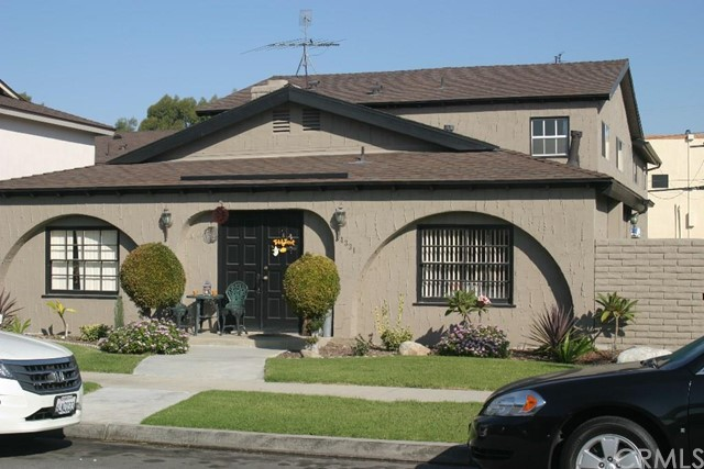 Residential Income for Sale at 4331 Green St Los Alamitos, California 90720 United States