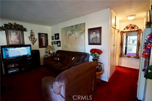 395 W Grand Avenue, Pomona CA: http://media.crmls.org/medias/664d3c74-6a1b-450d-af1b-ad7e89000251.jpg
