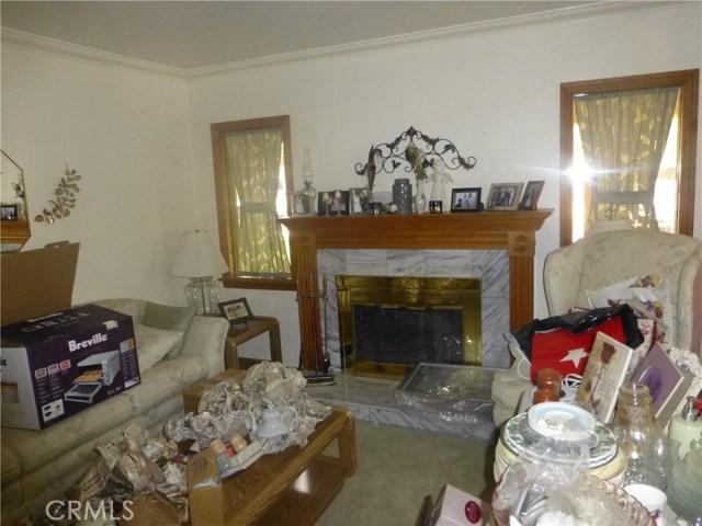 3481 Grant Street, Corona CA: http://media.crmls.org/medias/664e3c04-b240-4b4d-a600-ab56b875ed40.jpg