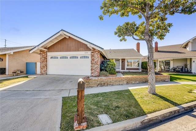 Photo of 1225 N Hinsdale Place, Anaheim, CA 92807
