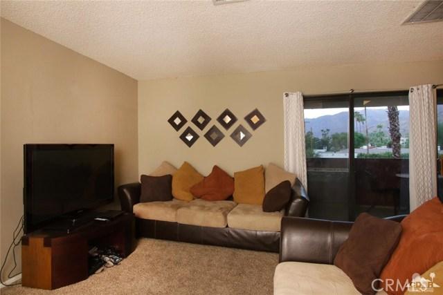 464 Calle Encilia, Palm Springs CA: http://media.crmls.org/medias/6675a3b0-912b-4a52-bee1-e3046d8e0571.jpg
