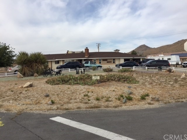 Single Family Home for Sale at 19225 Wintun Road Apple Valley, California 92307 United States