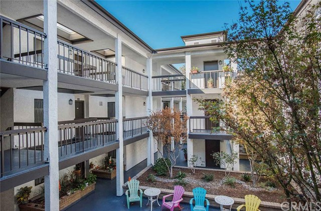 2504 East Willow Street 204 Signal Hill, CA 90755 is listed for sale as MLS Listing PW15237097