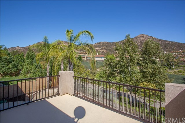 26931 Lemon Grass Way, Murrieta CA: http://media.crmls.org/medias/6686a589-f0e6-4ad8-9e7d-b95e9d5efb8a.jpg