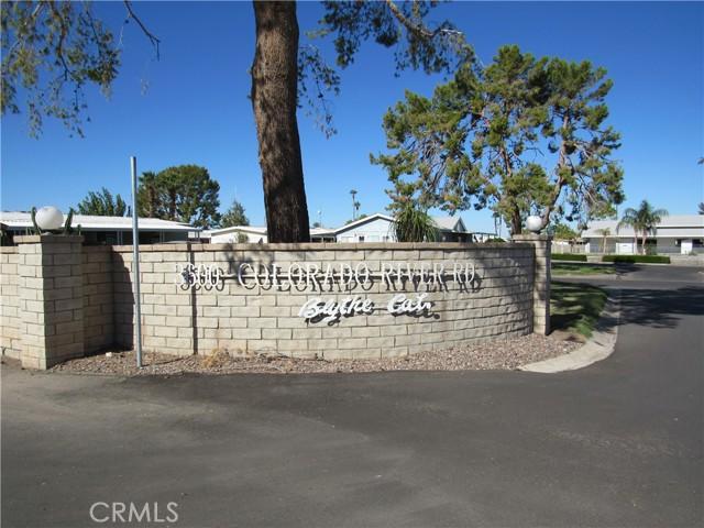 3600 Colorado River Road, Blythe CA: http://media.crmls.org/medias/669172c2-0672-4e4c-b6cc-c3ded88f4e1c.jpg