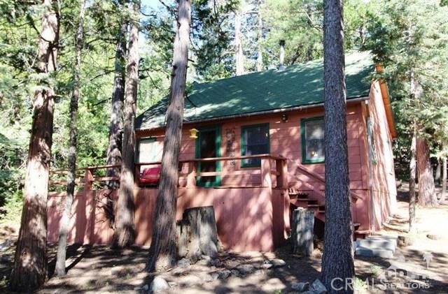 52761 Pine Ridge Road, Idyllwild CA: http://media.crmls.org/medias/6695f6c4-a48f-4045-b4b7-cd1a304827a7.jpg