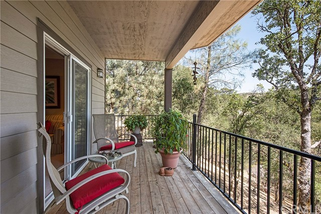 19438 Donkey Hill Road, Hidden Valley Lake CA: http://media.crmls.org/medias/669b666f-567a-41d1-b6c7-9ecf98df8dd8.jpg