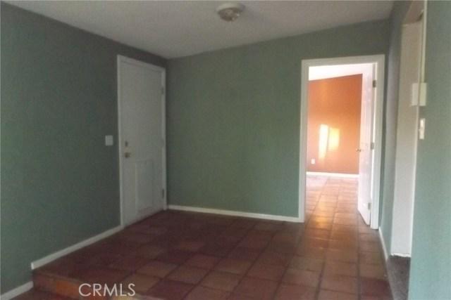 10766 San Jacinto Street, Morongo Valley CA: http://media.crmls.org/medias/669d6069-b46c-4d90-aaf1-0d87a6e75dda.jpg