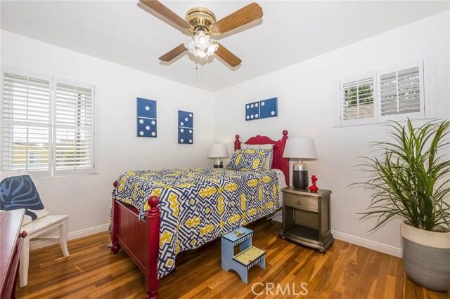 1001 Vernon Street, La Habra CA: http://media.crmls.org/medias/66a44856-8e00-4608-bf7e-4b08d2d46baf.jpg