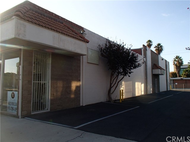 3714 Sunnyside Drive Riverside, CA 92506 is listed for sale as MLS Listing IV17160004