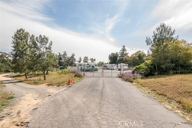 1061 Ridge Heights Drive, Fallbrook CA: http://media.crmls.org/medias/66bd06c7-0faa-4877-966b-68131911f134.jpg