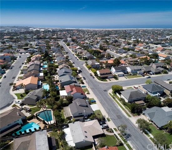 21722 Seaside Lane Huntington Beach, CA 92646 - MLS #: OC18119428