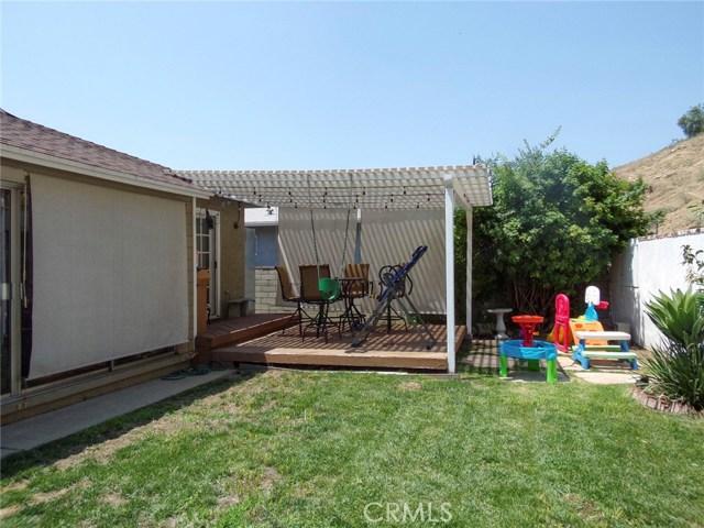 8528 Bluffdale Drive, Sun Valley CA: http://media.crmls.org/medias/66e33748-654c-46f7-80e8-c31049a6335b.jpg