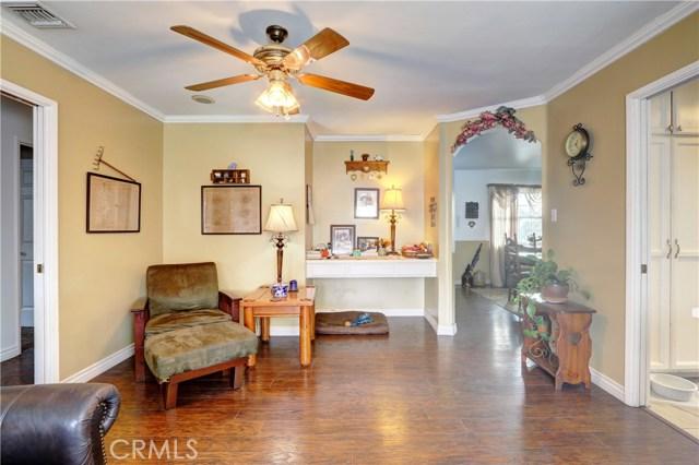 1155 W Masline Street, Covina CA: http://media.crmls.org/medias/66ef63fd-d085-4dee-bd85-fd7ae6ef58c2.jpg