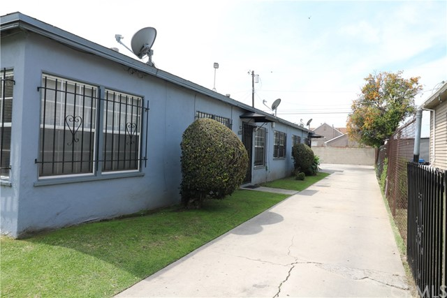 6031 S Wilton Place Los Angeles, CA 90047 - MLS #: BB18074361