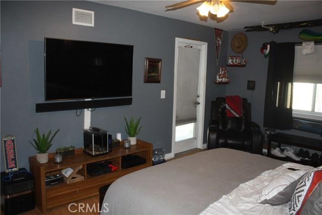 117 Clarissa Avenue, Avalon CA: http://media.crmls.org/medias/67063b98-af44-4609-9003-7e7500c44c03.jpg