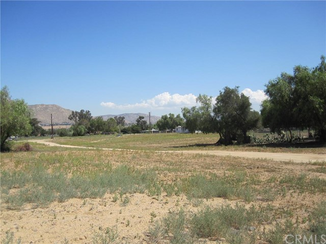 Additional photo for property listing at 21884 Bay Avenue  Moreno Valley, California 92553 United States