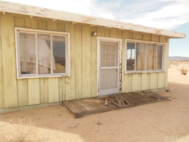 0 Carey, 29 Palms, California 92277