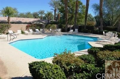 882 Red Arrow, Palm Desert CA: http://media.crmls.org/medias/67447941-1166-489a-ba7a-d015e262d234.jpg