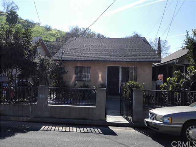 Single Family Home for Sale at 220 Avenue 33 E Lincoln Heights, California 90031 United States