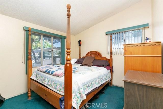 918 S Elliott Place, Santa Ana CA: http://media.crmls.org/medias/674d33f7-6847-45ce-aeec-dd1e04613f30.jpg