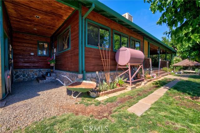 9320 Bass Road, Kelseyville CA: http://media.crmls.org/medias/674f2fae-c9b4-4d20-9bb0-a17f69a3f297.jpg