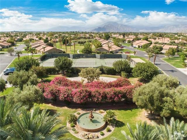 44040 Sundown Crest Drive, La Quinta CA: http://media.crmls.org/medias/67500753-753e-49ec-ad63-2b3733eef9fc.jpg