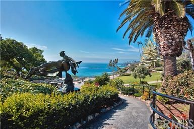 520 Cliff Drive 104, Laguna Beach, CA 92651