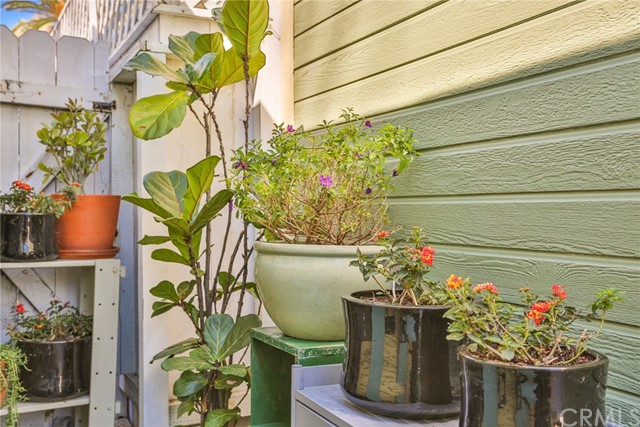 3615 E 8th Street, Long Beach CA: http://media.crmls.org/medias/67596bca-3b5e-4a41-a696-8fb609c1a847.jpg