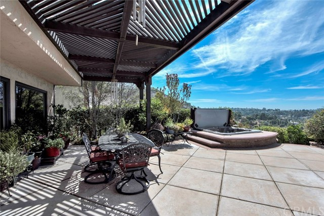 6150 E West View Drive, Orange CA: http://media.crmls.org/medias/6760e14f-32e0-4d9f-bb37-f7fb20ce7db5.jpg