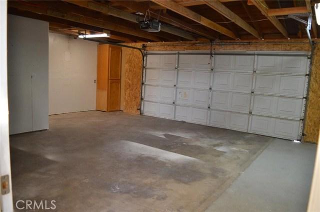 21858 Goshute Avenue, Apple Valley CA: http://media.crmls.org/medias/677d0a1f-eebb-4a6c-a075-0f120f1c341a.jpg