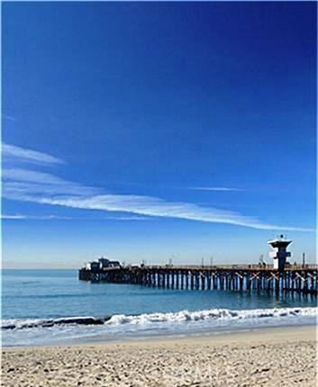 325 Clipper Way, Seal Beach CA: http://media.crmls.org/medias/677dedc6-84de-4166-9fcf-8b32b0aee931.jpg