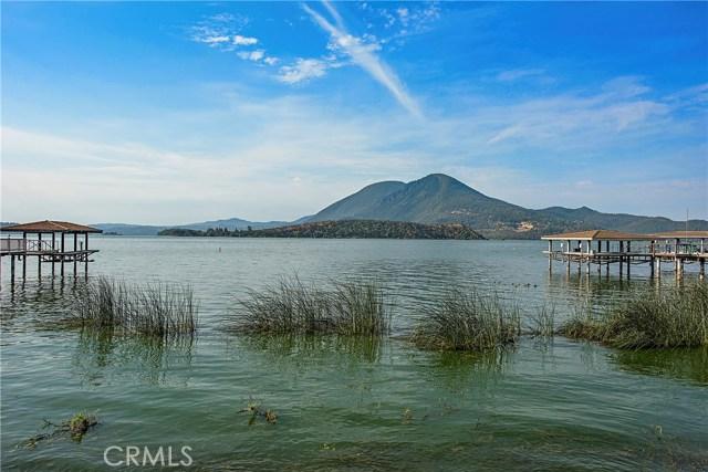 8448 Paradise Lagoon Drive, Lucerne CA: http://media.crmls.org/medias/6781e26c-a05b-4175-b376-0599fc772c02.jpg
