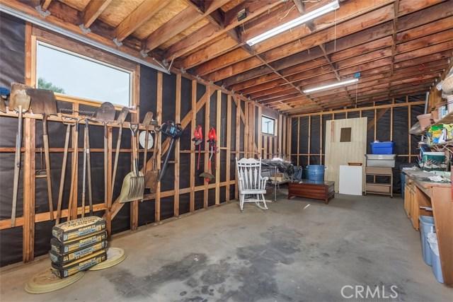 16275 Porter Avenue, Riverside CA: http://media.crmls.org/medias/6786fdd3-8f61-4f22-aeab-9f7d0d950873.jpg