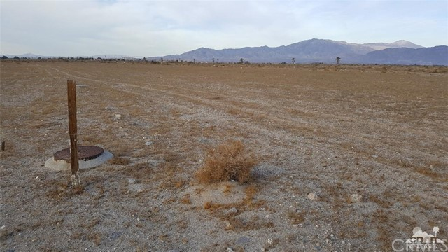 1115 Sea Wind Avenue, Thermal CA: http://media.crmls.org/medias/678b1f36-3a83-4d78-b520-bd285e8656ab.jpg