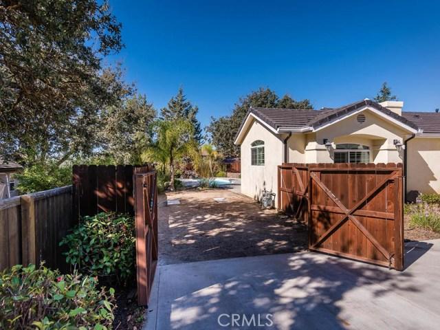1305 Crescent Oaks Way Paso Robles, CA 93446 - MLS #: NS17243334