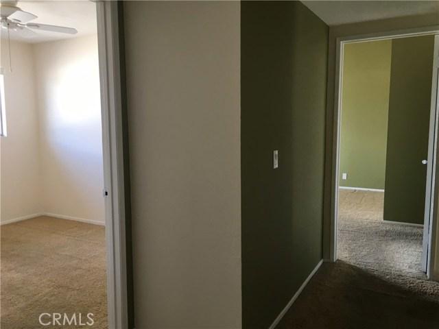 10512 S Jenny Lane, Garden Grove CA: http://media.crmls.org/medias/67947c00-e0b3-4d6e-a940-9b64a89214fa.jpg