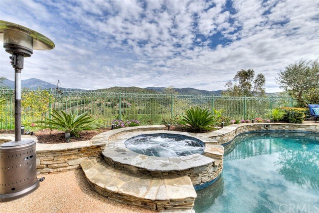 32 Barneburg, Rancho Santa Margarita CA: http://media.crmls.org/medias/679b6d73-93e9-487d-96c5-e59df8d4ff02.jpg
