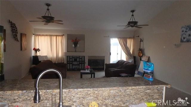 66029 Avenida Barona, Desert Hot Springs CA: http://media.crmls.org/medias/679d9f1c-c759-4f35-b2a6-0cd8e3de842e.jpg