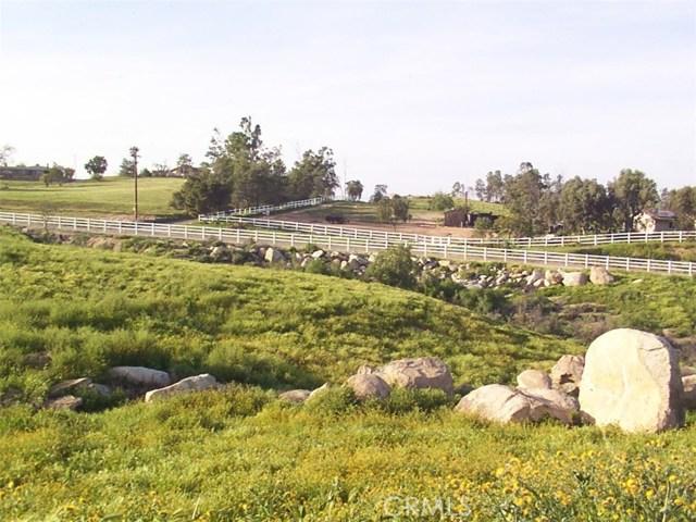9229 Box Springs Mountain Road, Moreno Valley CA: http://media.crmls.org/medias/679df678-9ec1-48cb-8137-1cf2dfd1988d.jpg