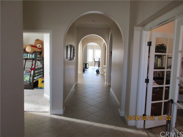 33699 Spring Brook Cr, Temecula, CA 92592 Photo 2